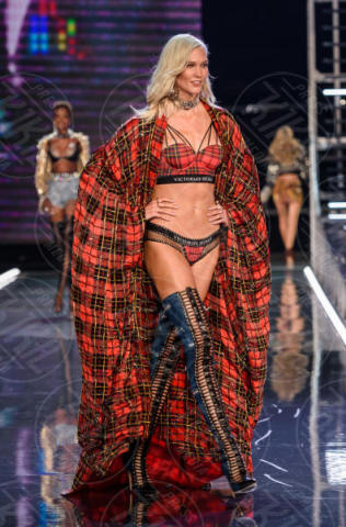 Victoria's Secret Fashion Show, Karlie Kloss - Shanghai - 20-11-2017 - Fermi tutti! Gli angeli di Victoria's Secret sfilano a Shanghai