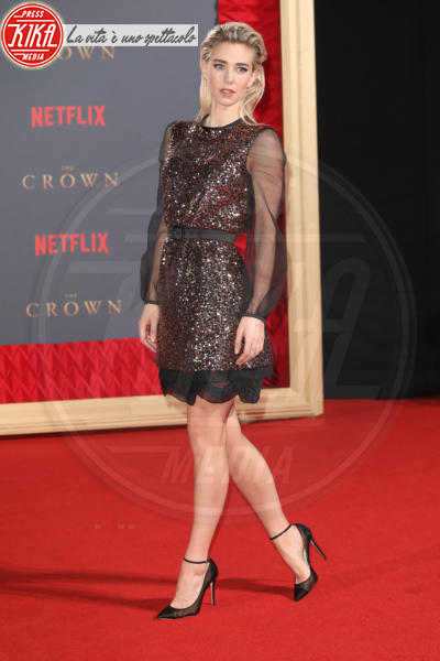 Vanessa Kirby - Londra - 21-11-2017 - The Crown 2, Claire Foy regina di paillettes