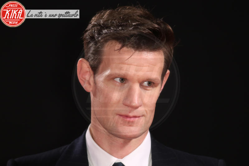 Matt Smith - Londra - 21-11-2017 - The Crown 2, Claire Foy regina di paillettes