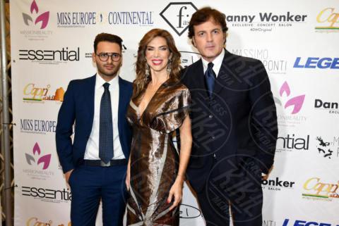 Alberto Cerqua, Veronica Maya, Marco Senise - Napoli - 25-11-2017 - Miss Europe Continental 2017: il red carpet di Sara Miquel