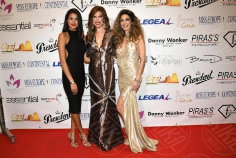 Mariana Rodriguez, Veronica Maya - Napoli - 25-11-2017 - Miss Europe Continental 2017: il red carpet di Sara Miquel