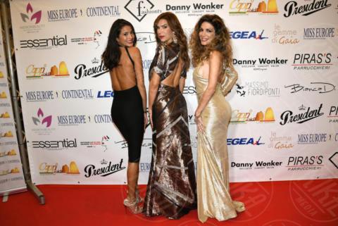 Mariana Rodriguez, Veronica Maya, Maria Monsè - Napoli - 25-11-2017 - Miss Europe Continental 2017: il red carpet di Sara Miquel