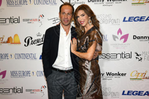 Marco Moraci, Veronica Maya - Napoli - 25-11-2017 - Miss Europe Continental 2017: il red carpet di Sara Miquel