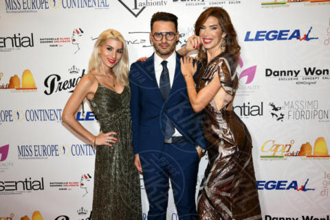 Alberto Cerqua, Sara Miquel, Veronica Maya - Napoli - 25-11-2017 - Miss Europe Continental 2017: il red carpet di Sara Miquel