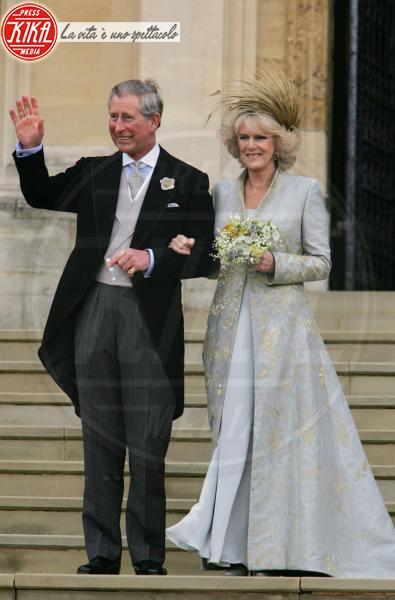 Principe Carlo d'Inghilterra, Camilla Parker Bowles - Windsor - 09-04-2005 - Da Kate a Lady D, gli abiti da sposa Windsor più belli