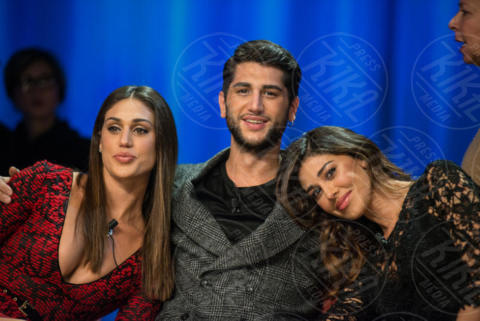 Jeremias Rodriguez, Cecilia Rodriguez, Belen Rodriguez - Roma - 29-11-2017 - Oggi è uno degli attori più belli dello showbiz: lo riconosci?