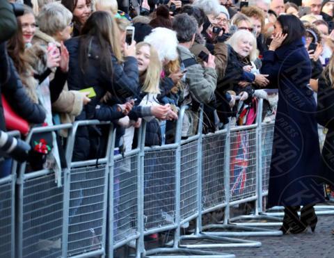 Meghan Markle - Nottingham - 01-12-2017 - Harry e Meghan, la prima uscita è mano nella mano