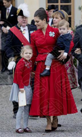 Principessa Estelle di Svezia, Principe Oscar di Svezia, Principessa Vittoria di Svezia - Stoccolma - 01-12-2017 - Victoria ed Estelle di Svezia: l'outfit è sempre coordinato!