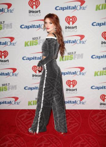 Bella Thorne - Los Angeles - 02-12-2017 - Bella Thorne , per il compleanno un must: il velluto!