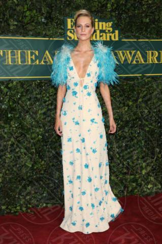 Poppy Delevingne - Londra - 03-12-2017 - Keira Knightley, nuvola di tulle che incorona Andrew Garfield