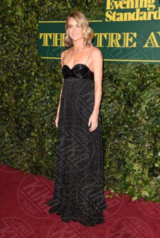 Cressida Bonas - 03-12-2017 - Keira Knightley, nuvola di tulle che incorona Andrew Garfield