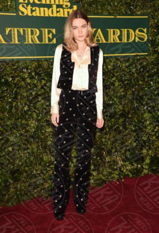 Immi Waterhouse - Londra - 03-12-2017 - Keira Knightley, nuvola di tulle che incorona Andrew Garfield
