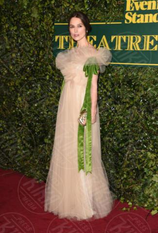 Kiera Knightley - Londra - 03-12-2017 - Keira Knightley, nuvola di tulle che incorona Andrew Garfield