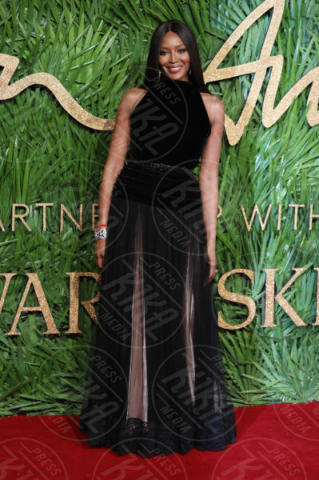 Naomi Campbell - Londra - 04-12-2017 - Selena Gomez & Co.: ai Fashion Awards trionfano bellezza e stile