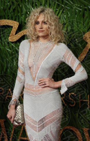 Pixie Lott - Londra - 04-12-2017 - Selena Gomez & Co.: ai Fashion Awards trionfano bellezza e stile