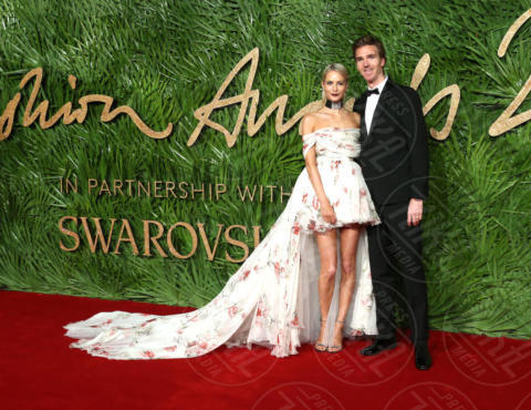 James Cook, Poppy Delevingne - Londra - 04-12-2017 - Selena Gomez & Co.: ai Fashion Awards trionfano bellezza e stile