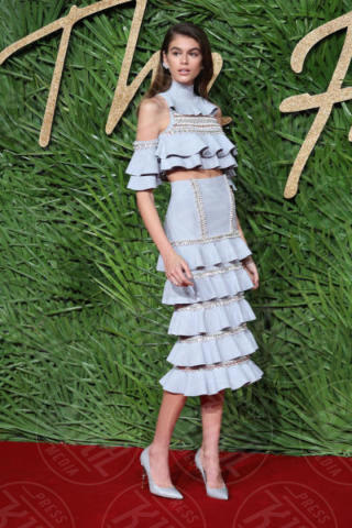 Kaia Gerber - Londra - 04-12-2017 - Selena Gomez & Co.: ai Fashion Awards trionfano bellezza e stile