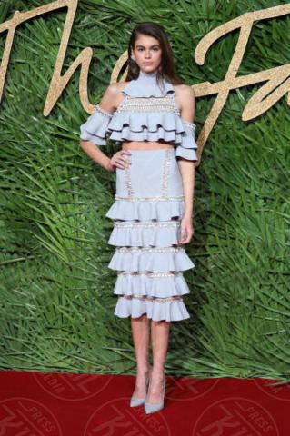 Kaia Gerber - Londra - 04-12-2017 - Selena Gomez & Co.: ai Fashion Awards trionfano bellezza e stile