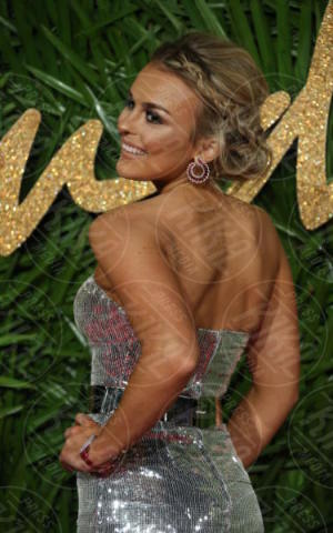 Tallia Storm - Londra - 04-12-2017 - Selena Gomez & Co.: ai Fashion Awards trionfano bellezza e stile