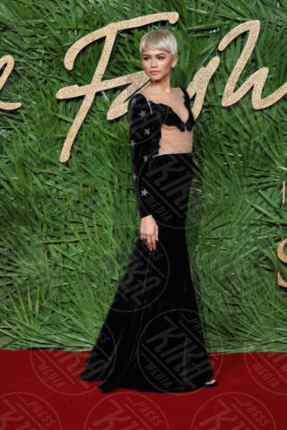 Zendaya - Londra - 04-12-2017 - Selena Gomez & Co.: ai Fashion Awards trionfano bellezza e stile
