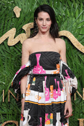 Elisa Lasowski - Londra - 04-12-2017 - Selena Gomez & Co.: ai Fashion Awards trionfano bellezza e stile