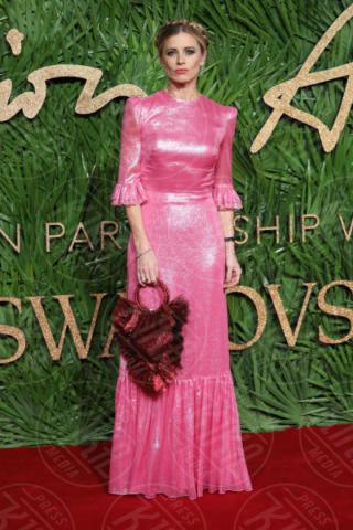 Laura Bailey - Londra - 04-12-2017 - Selena Gomez & Co.: ai Fashion Awards trionfano bellezza e stile
