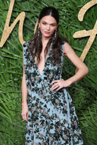 Anna Brewster - Londra - 04-12-2017 - Selena Gomez & Co.: ai Fashion Awards trionfano bellezza e stile