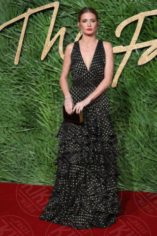 Millie Mackintosh - Londra - 04-12-2017 - Selena Gomez & Co.: ai Fashion Awards trionfano bellezza e stile