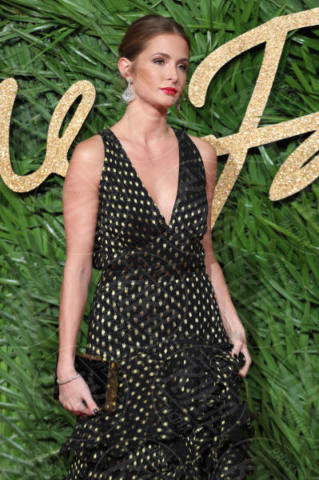 Millie Mackintosh - Londra - 04-12-2017 - Selena Gomez & Co.: ai Fashion Awards trionfano bellezza e stile
