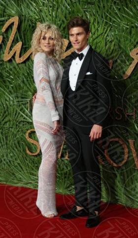 Oliver Cheshire, Pixie Lott - Londra - 04-12-2017 - Selena Gomez & Co.: ai Fashion Awards trionfano bellezza e stile