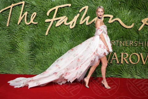 Poppy Delevingne - Londra - 04-12-2017 - Selena Gomez & Co.: ai Fashion Awards trionfano bellezza e stile