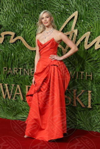 Karlie Kloss - Londra - 04-12-2017 - Selena Gomez & Co.: ai Fashion Awards trionfano bellezza e stile