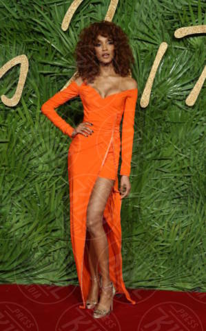 Jourdan Dunn - Londra - 04-12-2017 - Selena Gomez & Co.: ai Fashion Awards trionfano bellezza e stile