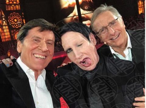 Gianni Morandi, Paolo Bonolis, Marilyn Manson - 06-12-2017 - La foto che ha fatto perdere la pazienza a Gianni Morandi
