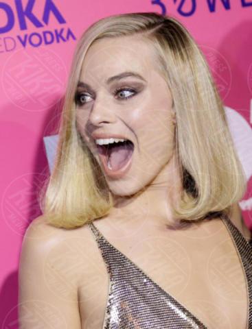 Margot Robbie - Los Angeles - 06-12-2017 - I, Tonya: Margot Robbie in Versace al fianco di Tonya Harding