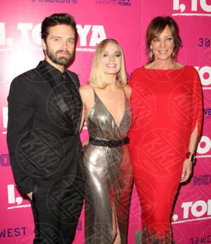 Margot Robbie, Sebastian Stan, Allison Janney - Los Angeles - 06-12-2017 - I, Tonya: Margot Robbie in Versace al fianco di Tonya Harding