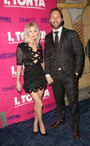 Mecki Dent, Jai Courtney - Los Angeles - 06-12-2017 - I, Tonya: Margot Robbie in Versace al fianco di Tonya Harding