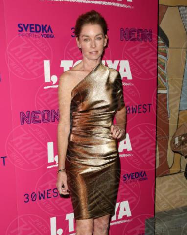 Julianne Nicholson - Los Angeles - 06-12-2017 - I, Tonya: Margot Robbie in Versace al fianco di Tonya Harding