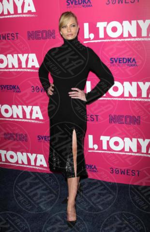 Jaime Pressly - Hollywood - 05-12-2017 - I, Tonya: Margot Robbie in Versace al fianco di Tonya Harding