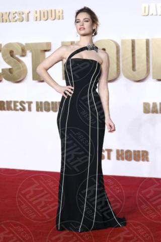 Lily James - Londra - 11-12-2017 - Gary Oldman presenta L'ora più Buia: vincerà il Golden Globe?