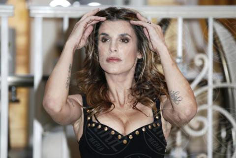 Elisabetta Canalis - Milano - 19-12-2017 - Le spose di Costantino: Elisabetta Canalis in lacrime