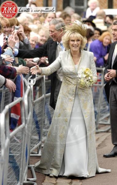 Camilla Parker Bowles - 09-04-2005 - Da Kate a Lady D, gli abiti da sposa Windsor più belli