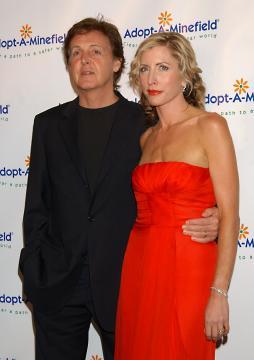 Heather Mills, Paul McCartney - Century City - 15-10-2004 - MCCartney: Mills non otterrà nulla dal divorzio