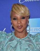 Mary J. Blige - Palm Springs - 02-01-2018 - Prima e dopo: il miracolo del make up!