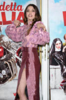 Ilenia Pastorelli - Milano - 05-01-2018 - Da Evangeline a Irina, sul red carpet lo spacco... spacca!