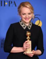Elisabeth Moss - Beverly Hills - 07-01-2018 - Golden Globe 2018: trionfa Tre Manifesti a Ebbing, Missouri