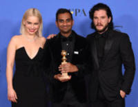 Kit Harington, Emilia Clarke, Aziz Ansari - Beverly Hills - 07-01-2018 - Golden Globe 2018: trionfa Tre Manifesti a Ebbing, Missouri