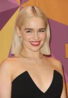 Emilia Clarke - Los Angeles - 08-01-2018 - Paris Hilton sfoggia l'anello di fidanzamento al party HBO
