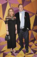 Richard Hilton, Kathy Hilton - Los Angeles - 08-01-2018 - Paris Hilton sfoggia l'anello di fidanzamento al party HBO