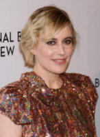 Greta Gerwig - New York - 10-01-2018 - Shiloh, braccio al collo sul red carpet con mamma Angelina